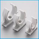 Фиксатор для труб пластмассовый одинарный (25х2,5)